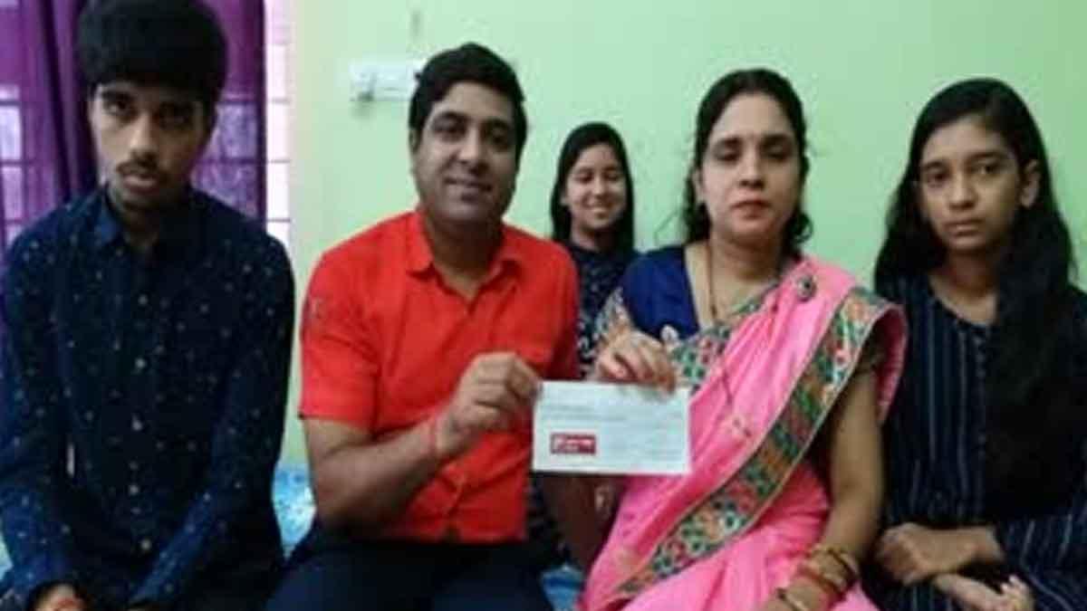 family-of-deshbandhu-pandey